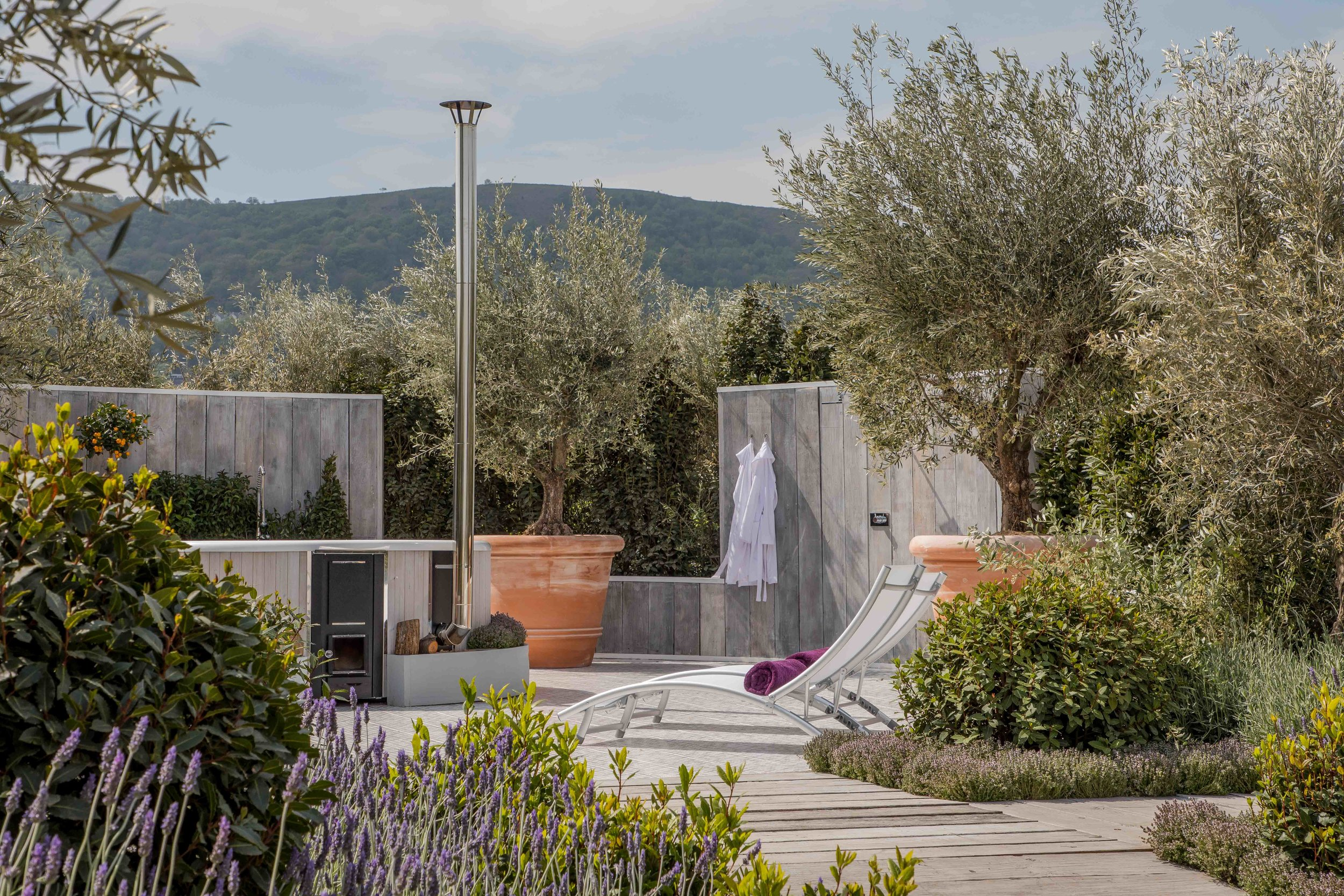 The Retreat Garden which won Silver Guilt for designer Villaggio Verde. I love how most of the main show gardens used the distant Malvern Hills to frame the garden.