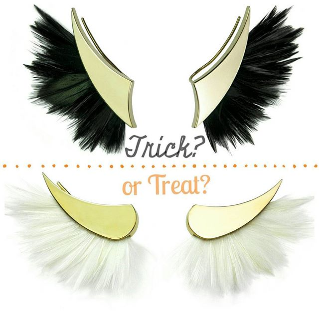 Will you #trick, or will you #treat this halloween?🎃💀👻 #jewellery #Halloween #lobeearrings #earrings #silver #gold #feathers #trickortreat #sophiealicehirsch #blackandwhite