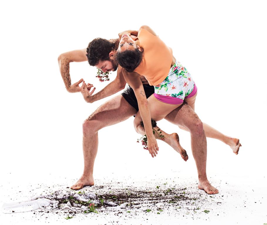 Credit-Tom-Caravaglia-Dancers-Dan-Walczak-Francesca-Romo.jpg