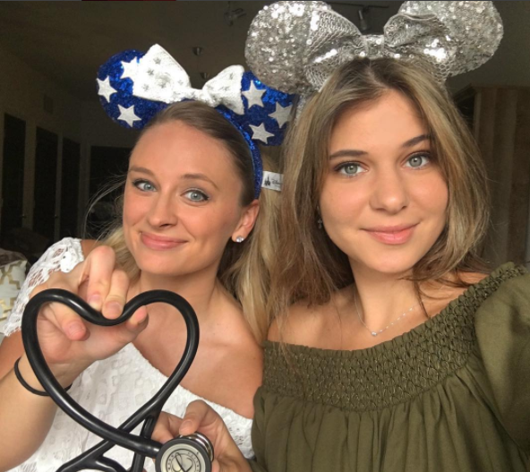@allheartscrubs - Our #allheartSquad members @tiffanyjoy8and @bondkitkat finally met in Tampa this weekend to take exclusive photos for #C3Scrubs. We are really excited to see the pictures! Stay tuned for giveaways. <3