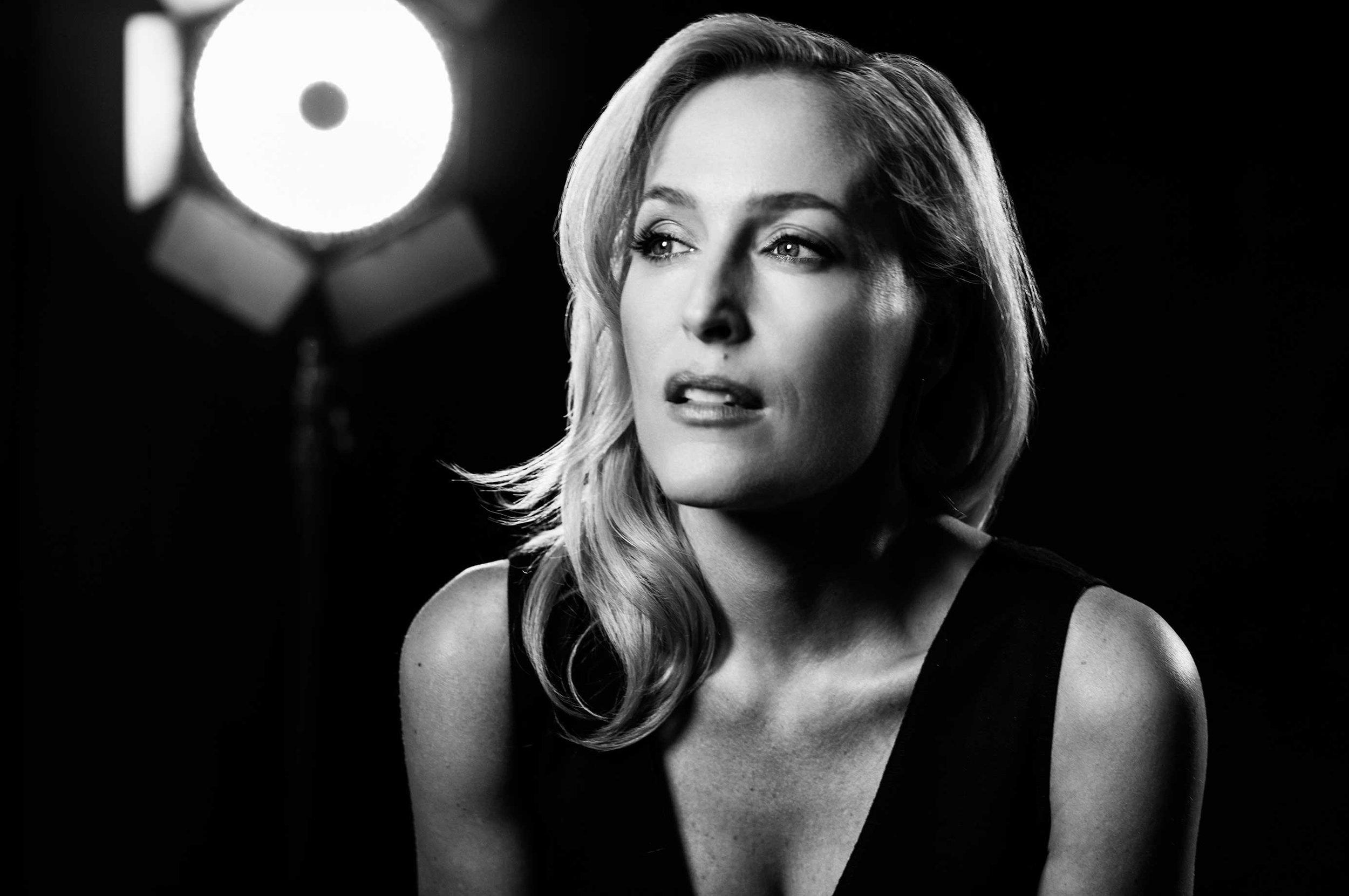 Gillian-Anderson---X-Files-00007-1.jpg