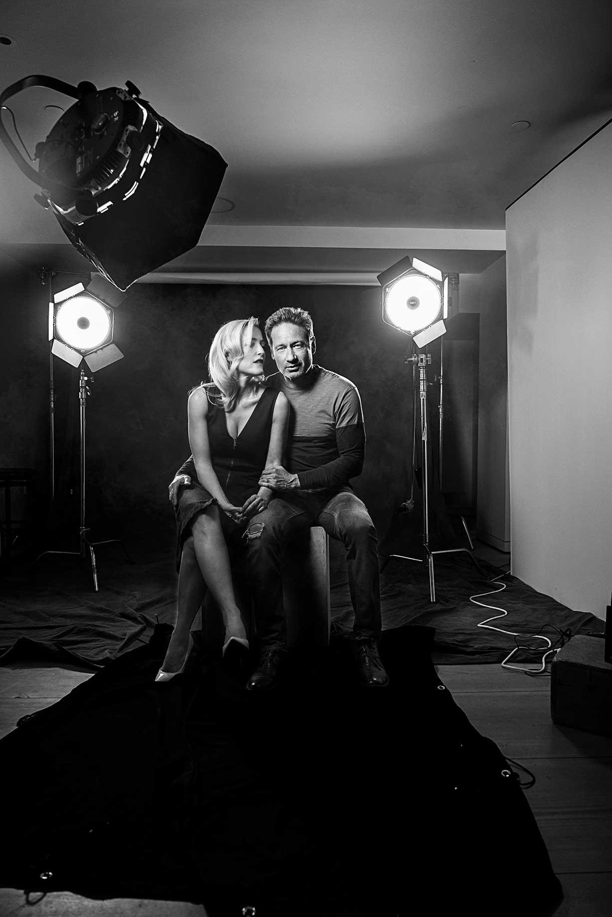 Gillian-Anderson-David-Duchovy---X-Files-23-3.jpg