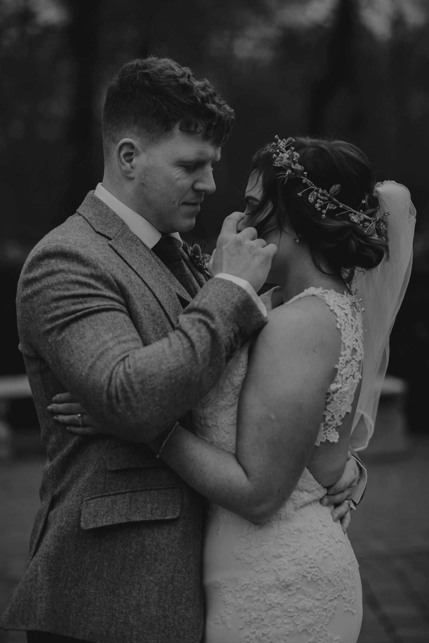 Clandeboye Lodge Wedding Photos   D&R-301.jpg