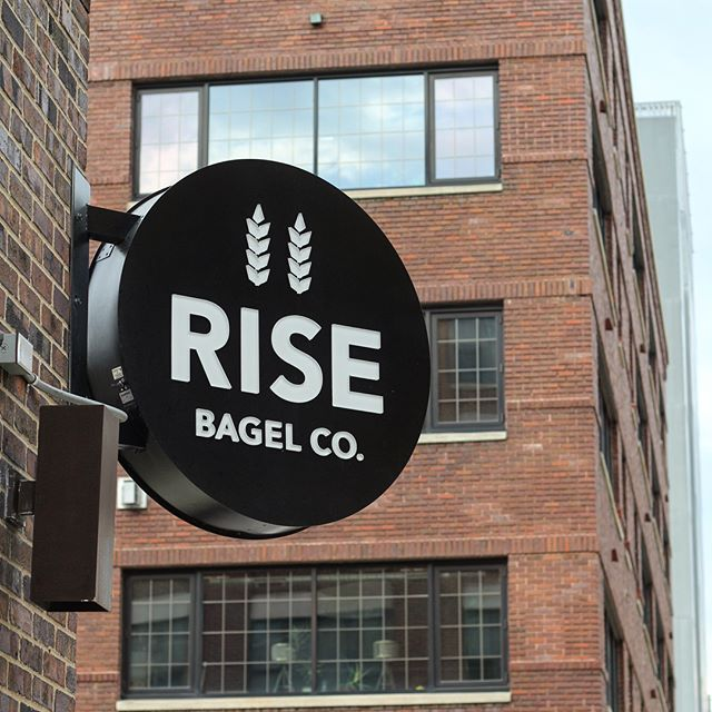 A delicious morning at Rise Bagel Co. (@risebagel) in the North Loop of Minneapolis with an awesome community jazzed about supporting women-owned businesses. Thanks to all the Yes Wayers who joined us and to Rise Bagel Co for welcoming us! For those who couldn't make it - make sure to check this place out! We know we'll be back! • • • • #yesway #yeswaytravel #yeswaytuesday #risebagel #breadheads #bagels #carbs #schmear #womenownedbusiness #womenowned #minneapolis #northloop