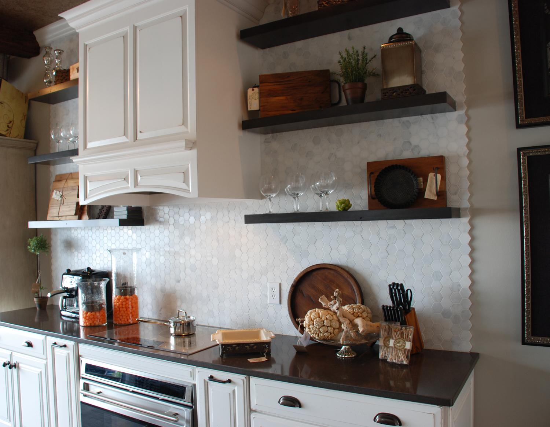 white-marble-hexagon-mosaic-tile-backsplash.jpg