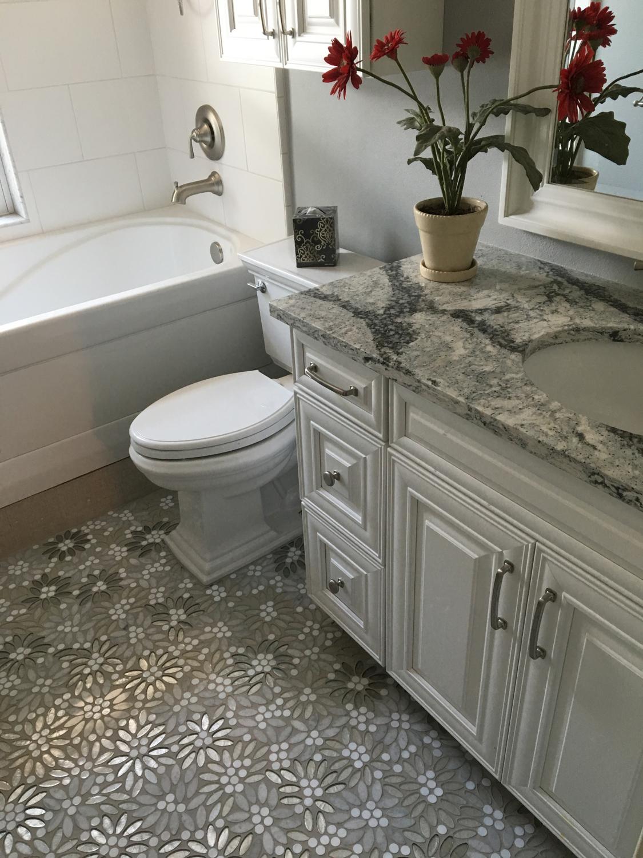 sparkly-glass-bathroom-tile-1.jpg