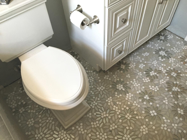 sparkly-glass-bathroom-tile-2.jpg