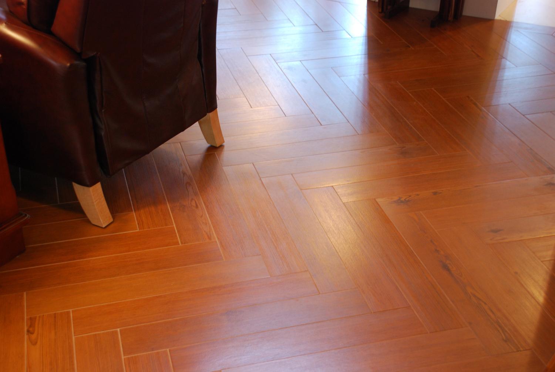 herringbone-wood-porcelain-tile-1.jpg