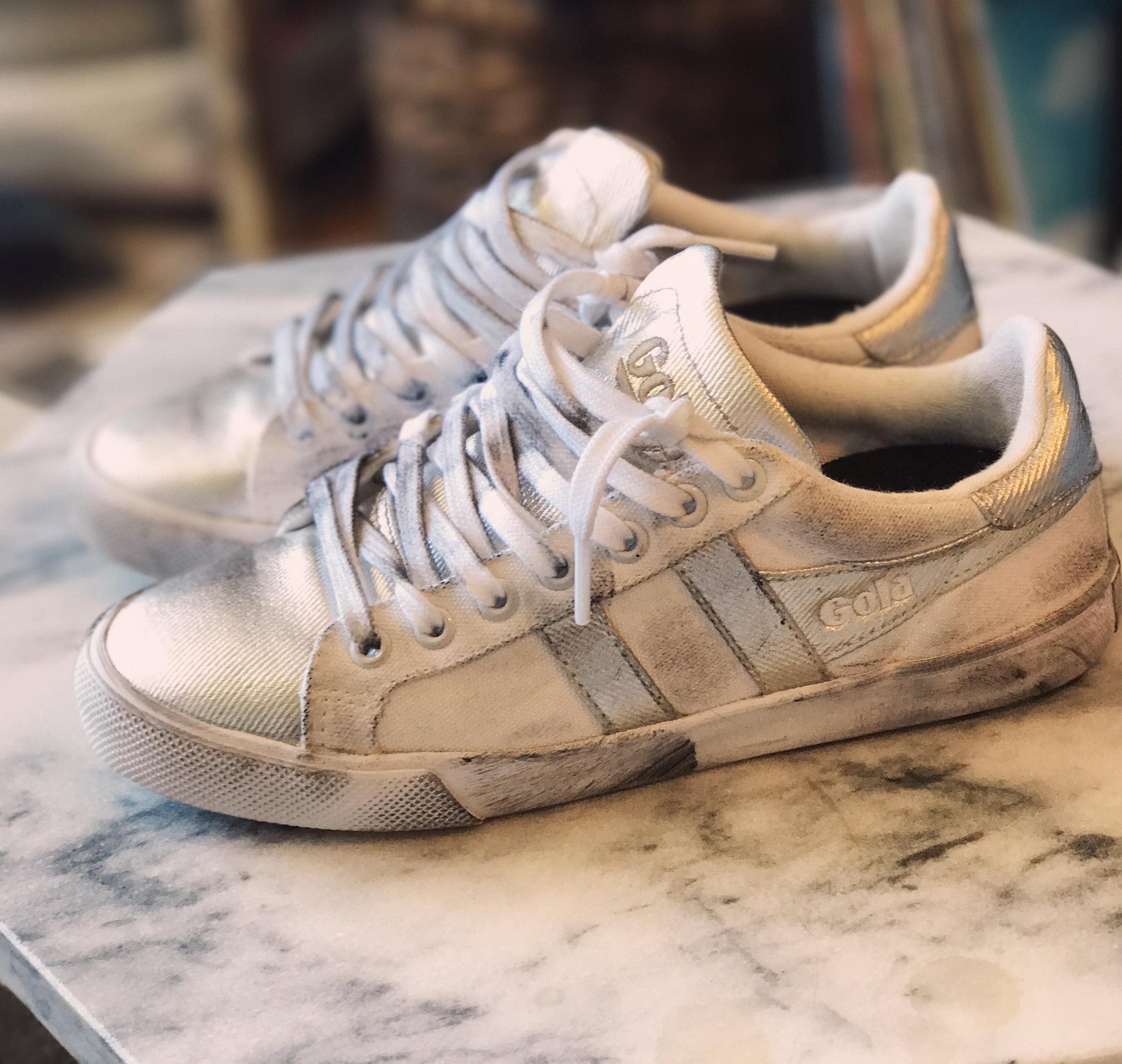 Distressed Sneakers / Golden Goose