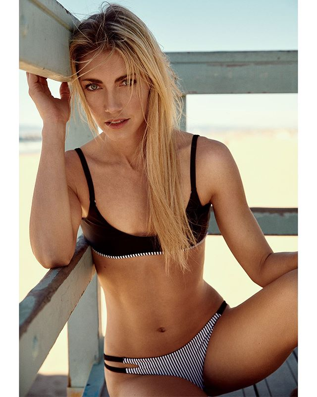 We finally got the sunshine! Let the summer photoshoots begin! . . . . #swimsuitmodel #beach🌊 #blondes #beachportrait #summerstyle #beachbabes #beachday #hermosabeach  #laphotographer #photographer #summerdays🌞 #beachbums #beachbumlife #fitnessmodel #fitnessphotography