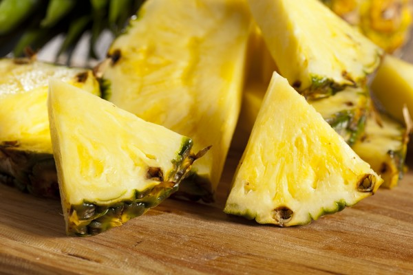 Pineapple-fun-food-facts-from-green-blender-600x400.jpg