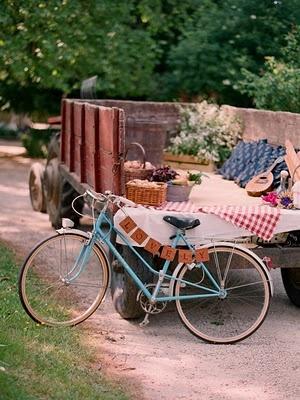 10a4a563cb6b0de5f4a4e0e1c4cc411d--country-picnic-picnic-style.jpg