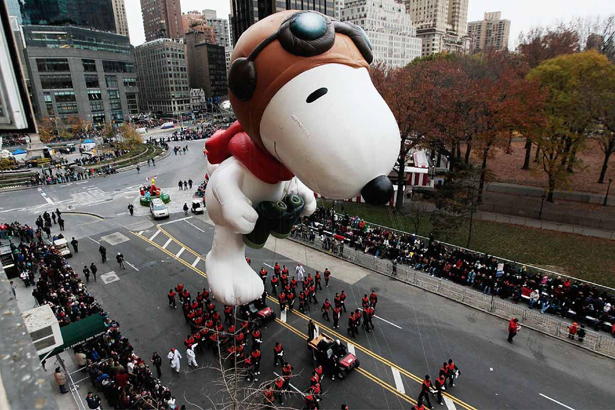 Snoopy-Balloon-Macys-Thanksgiving-Day-Parade-NYC-01.jpg