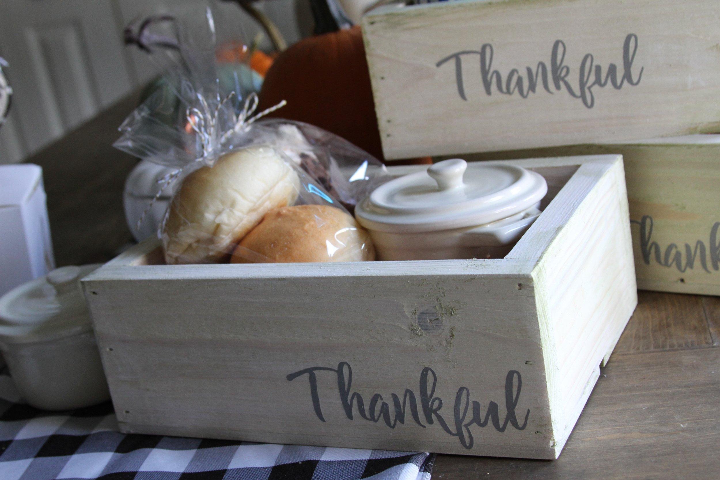Everyday-Party-Magazine-Thankful-Thanksgiving-Leftover-Box-DIY-1-copy.jpg
