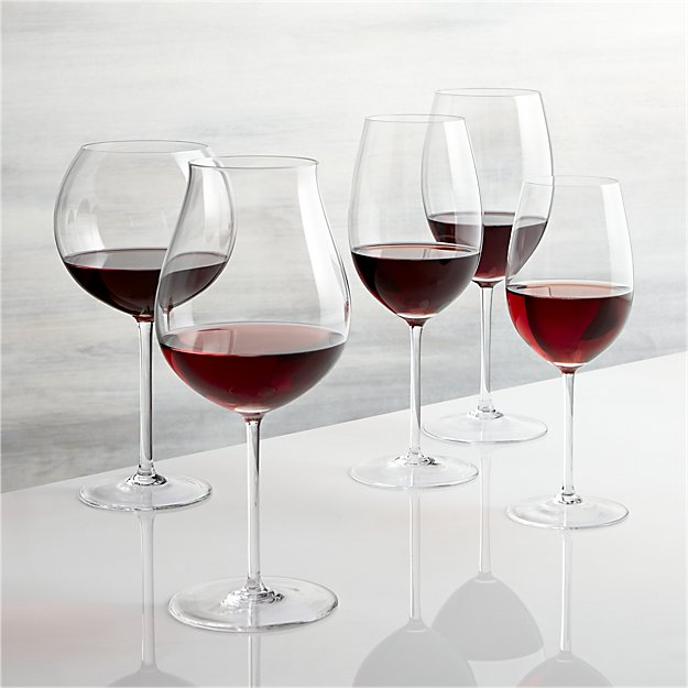 vineyard-red-wine-glasses.jpg