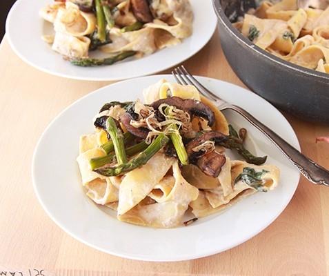 roasted-asparagus-mushroom-pappardelle-7-600x400.jpg