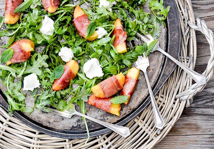 Proscuitto-Peach-Arugula-Salad-3.jpg