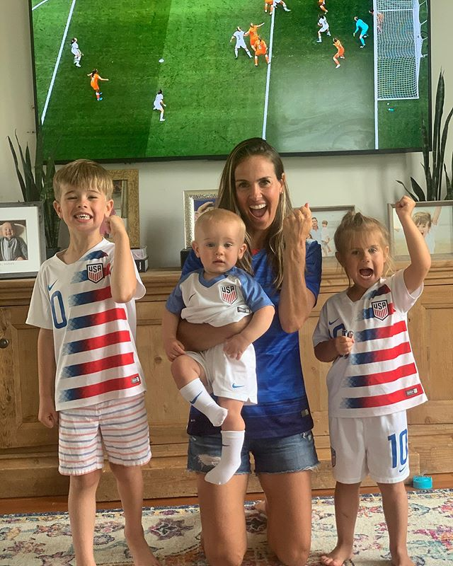 World Cup Watch Party with my crew for the Final time 🤞🇺🇸❤️🙌🏻#comeonusa #repeat #wwc #worldcupfinal #usa #usavsned
