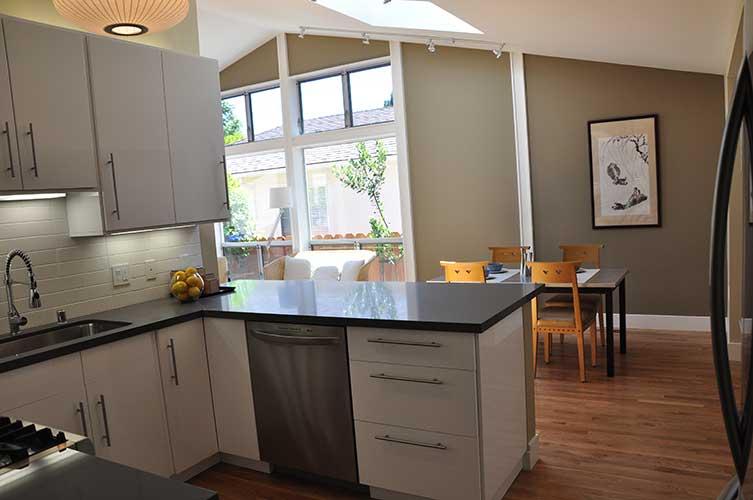 Kitchen3-500h.jpg