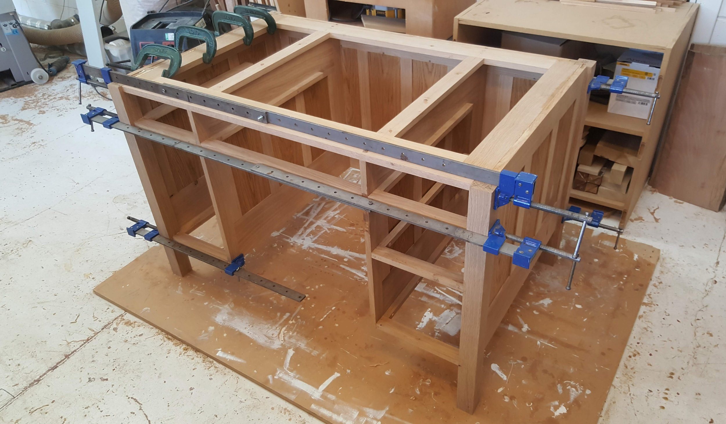 Heliconia_Furniture_Arts&Crafts_Desk_GlueUpIn3Stages3.jpg