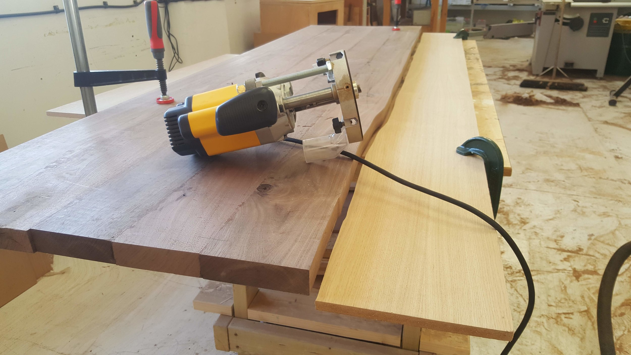 Heliconia_Furniturte_WalnutMaple_DiningTable_waveTemplating (4).jpg