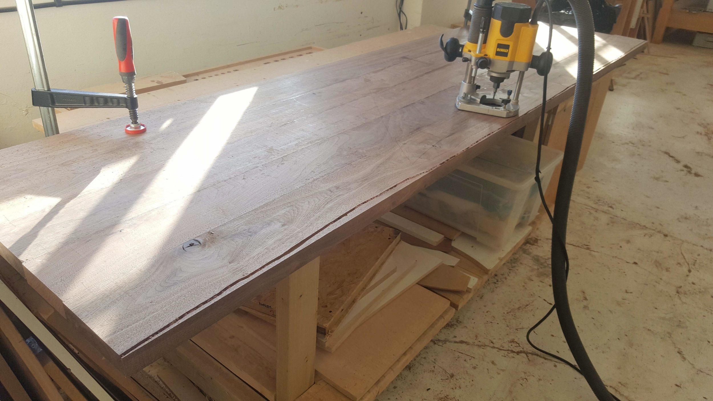 Heliconia_Furniturte_WalnutMaple_DiningTable_waveTemplating (1).jpg