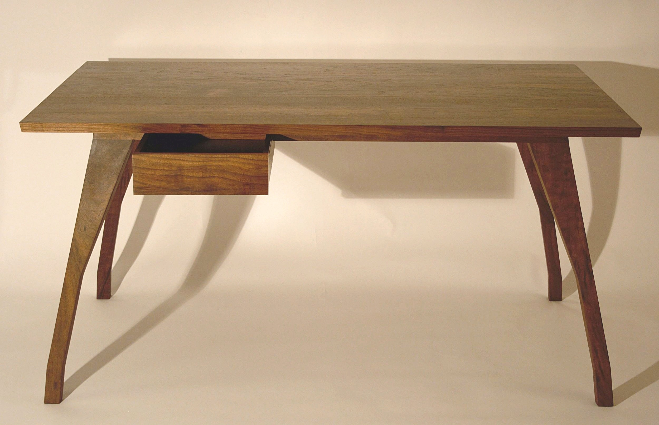 Heliconia_Furniture_Foal_Desk_finished4.jpg