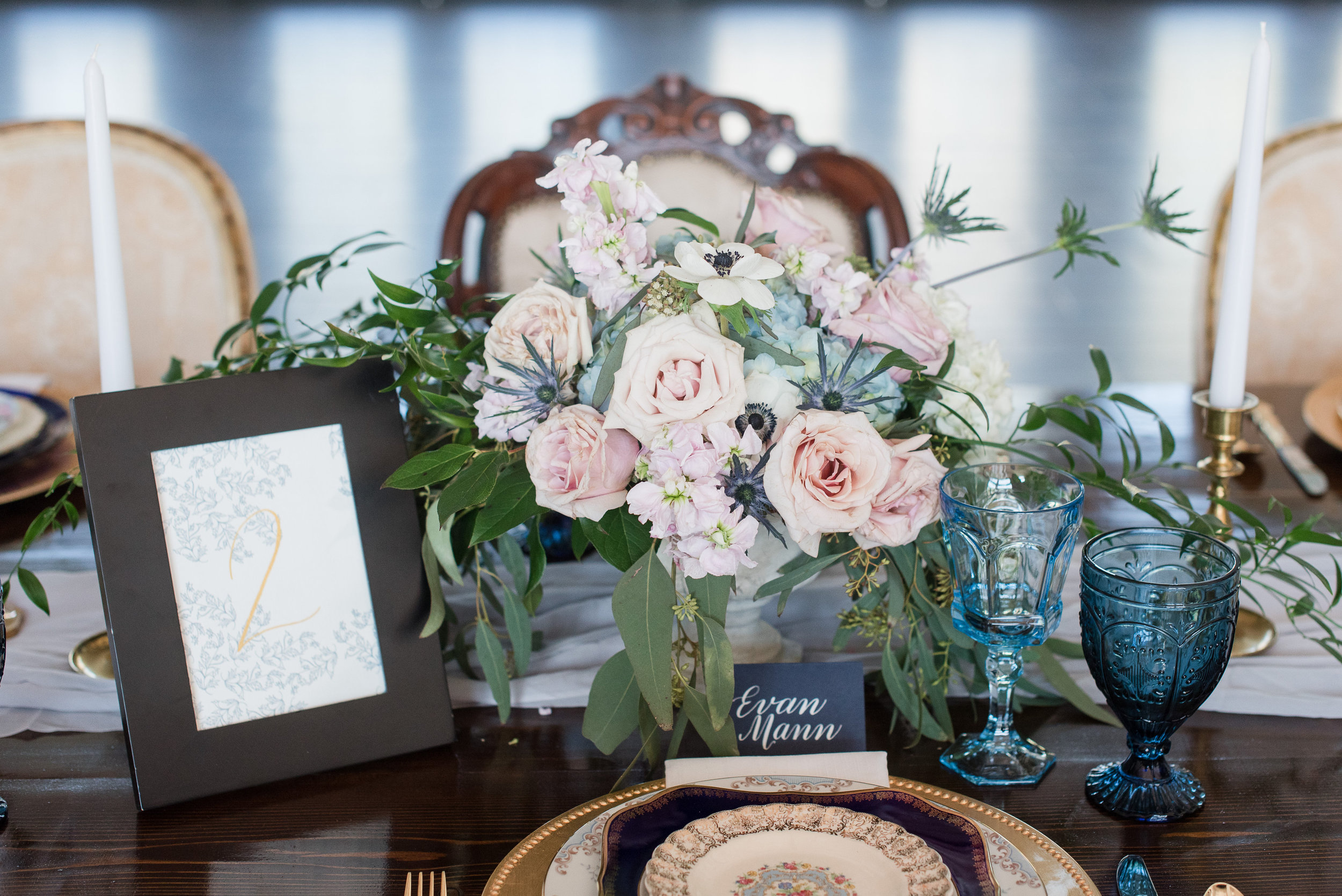 Parisian Blue Shoot at Southern Charm Events-0054.jpg