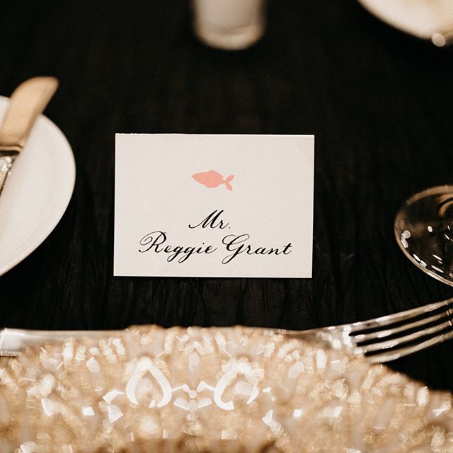 You can never go wrong with classic black calligraphy on white place cards 🙌🏻 just got some gorgeous photos back from Timitra & DeJuan's @ritzcarltoncharlotte wedding! @avonnephotography is incredibly talented, y'all. Go take a look at her beautiful feed and give her a follow! Planner: @magnificentmomentsweddings