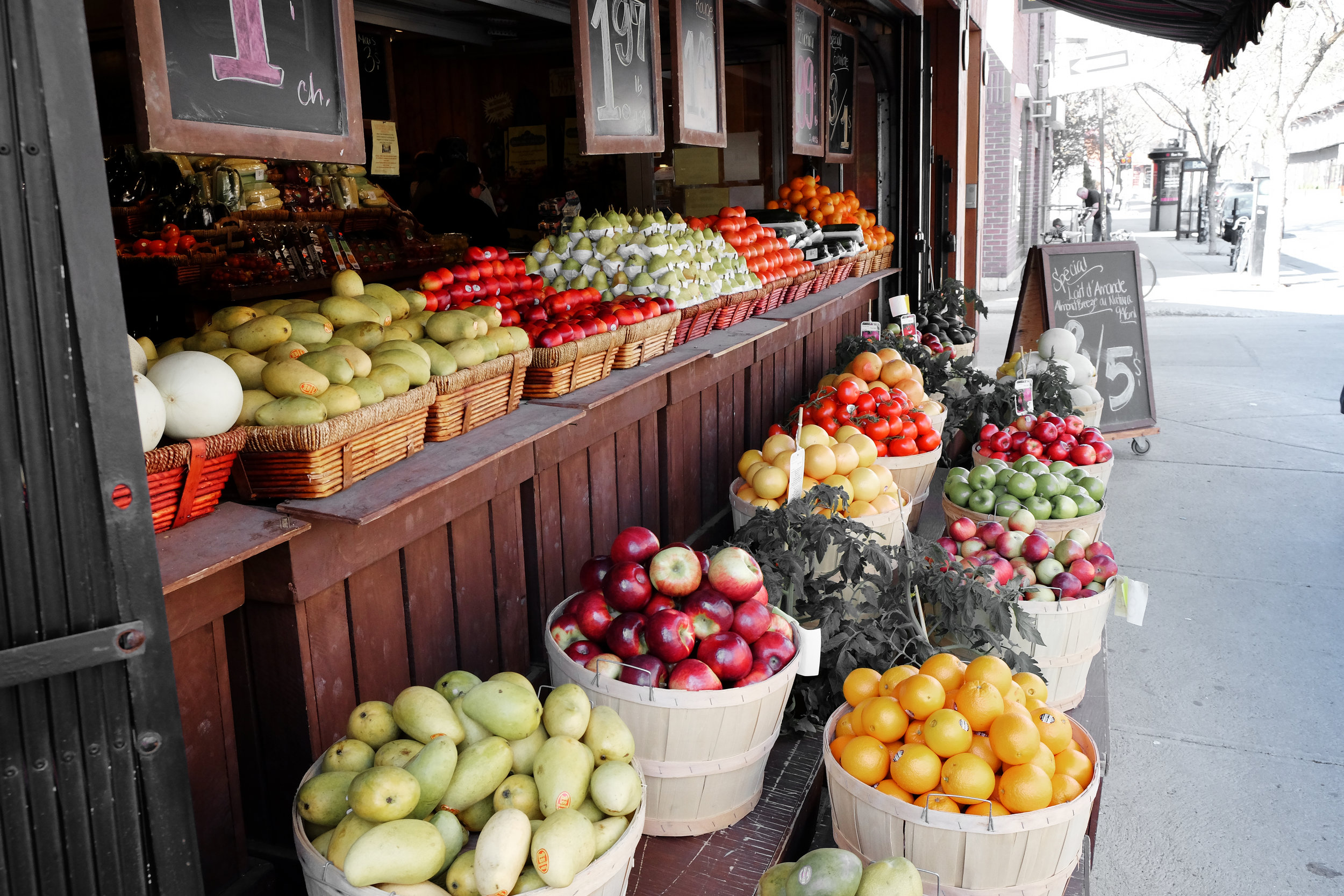 street-market-fruits-grocery.jpg