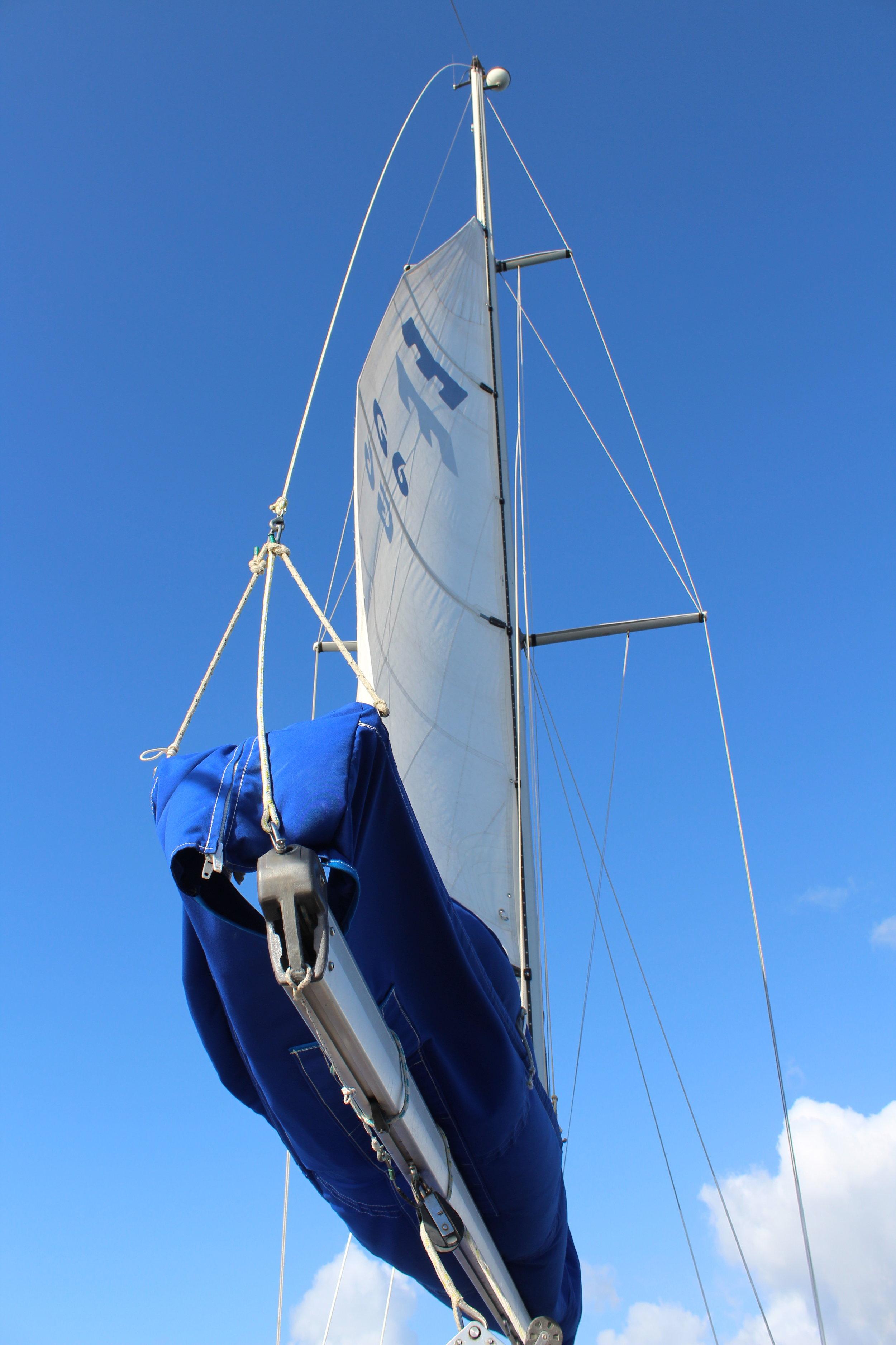 Main sail reefed