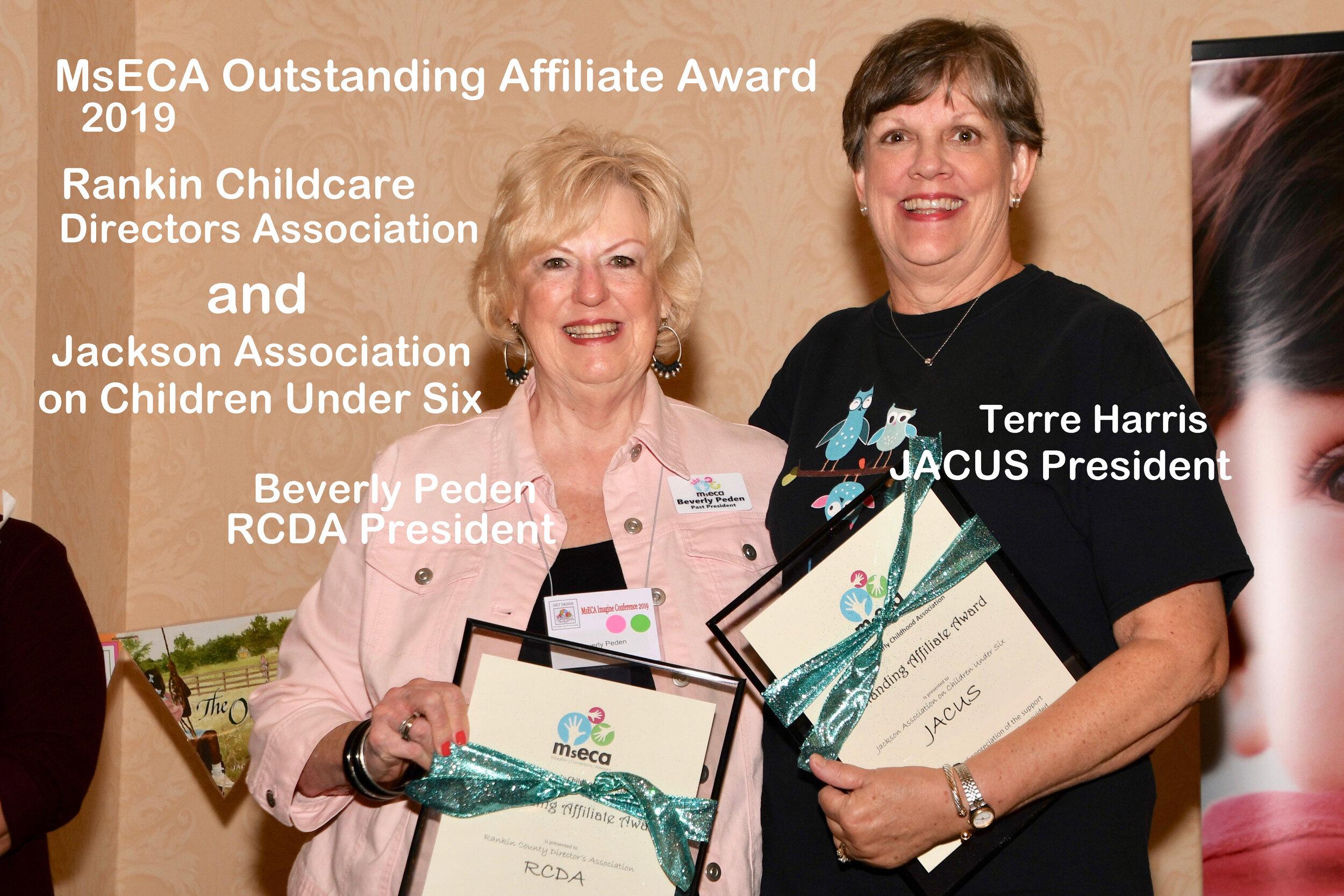 DSC_3751 Affiliate Award .jpg