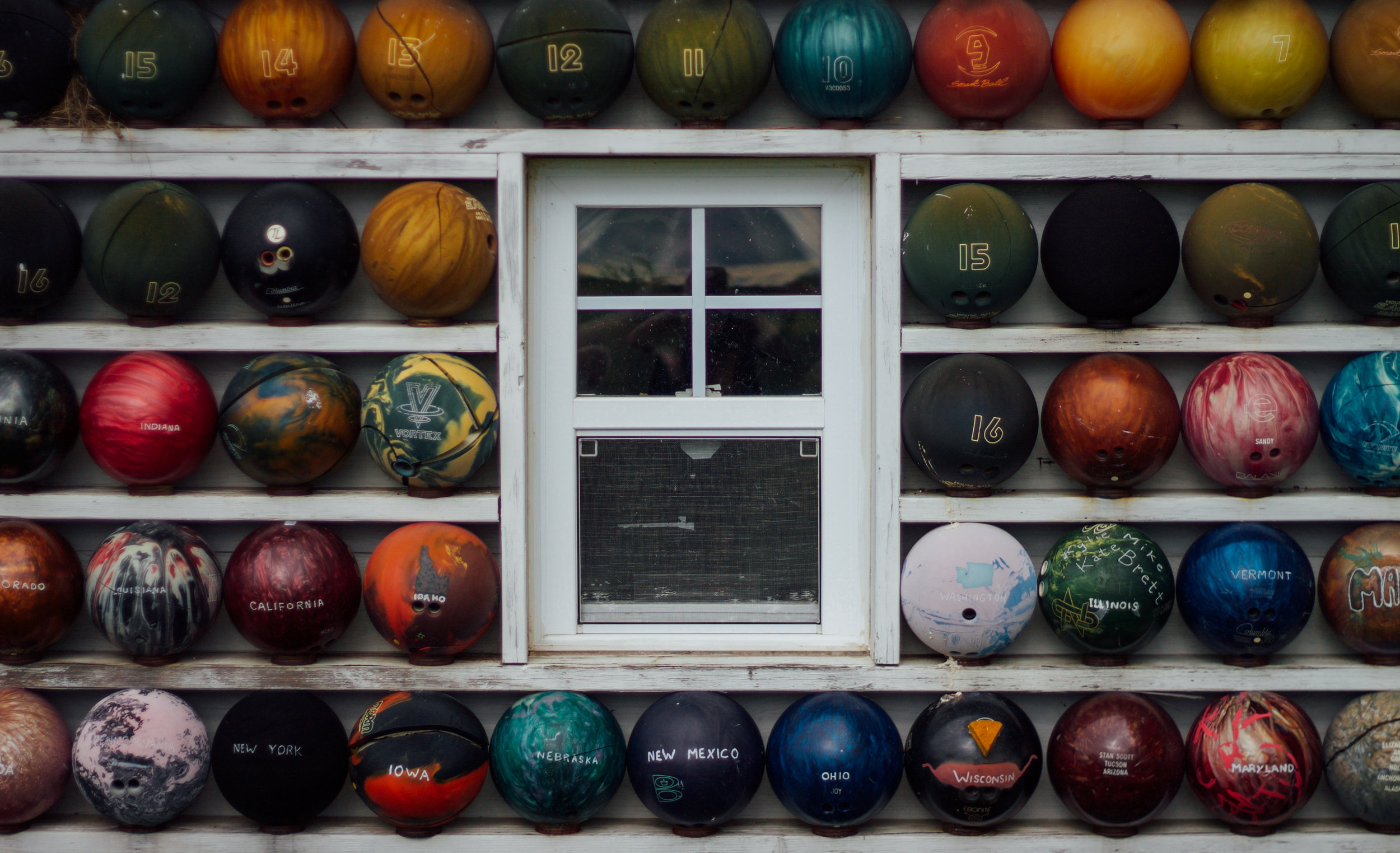 BOWLING BALLS / NOWATA, OK