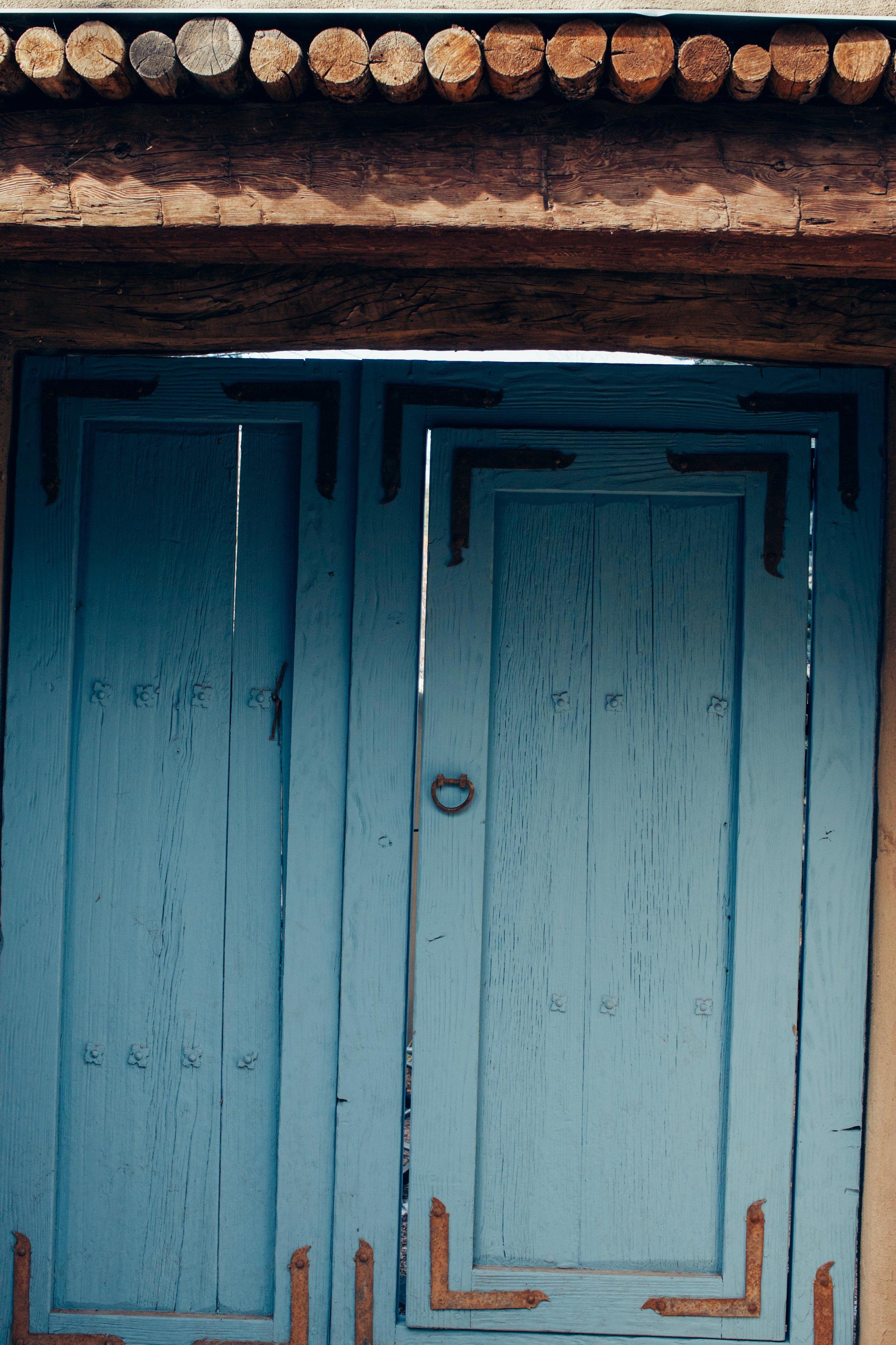 blue door2.jpg