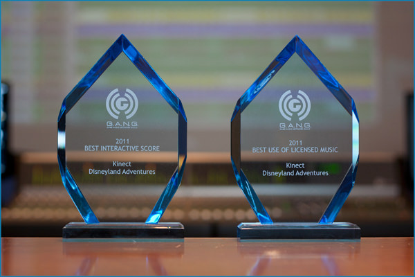 kinect_disneyland_adventures_gang_awards_pyramind_studios_microsoft_studios.jpeg