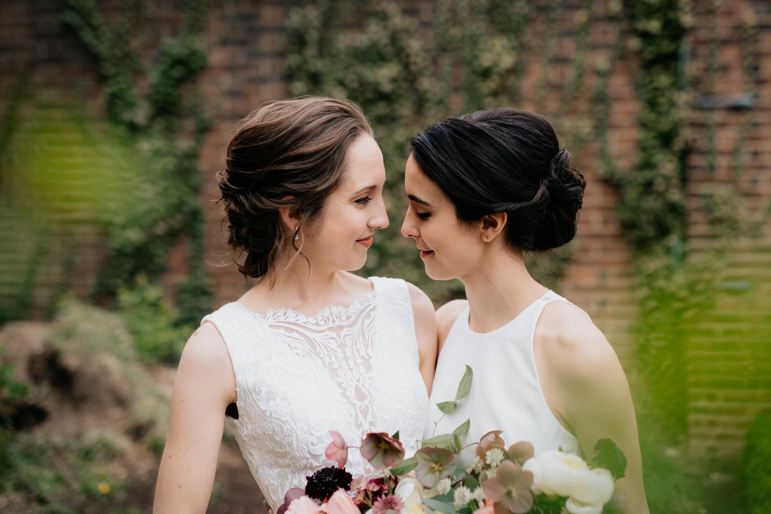 Lindsay+Adrienne_2501.jpg