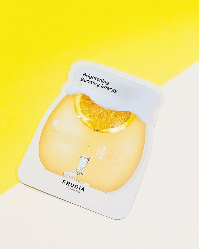 Frudia Citrus 🍊Sheet Mask—Keep your skin clean and luminous with a botanical sheet mask made with 46% of Jeju citrus extract, from Jeju Island in Korea. Working with natural ingredients and vitamin C, these masks make your skin clean and beautiful by delivering active ingredients deep into the skin. Restore your glow and calm your skin with the nutrients of citrus peels and fruit juices. Can be used for all skin types 💛💛💛💛💛 . . . . Frudia USA! 🎂 😻🌷😘😜❤️❤️ Linked in bio-* . #frudiausa #fruit #fruitforward #beautyblogger #instapic #instabeauty #beauty #beautiful #ny #nyc #instagood #instalove #instadaily #instabeauty #instalike #skincare #skin #blog #kbeauty #korea #pore #moisturizer