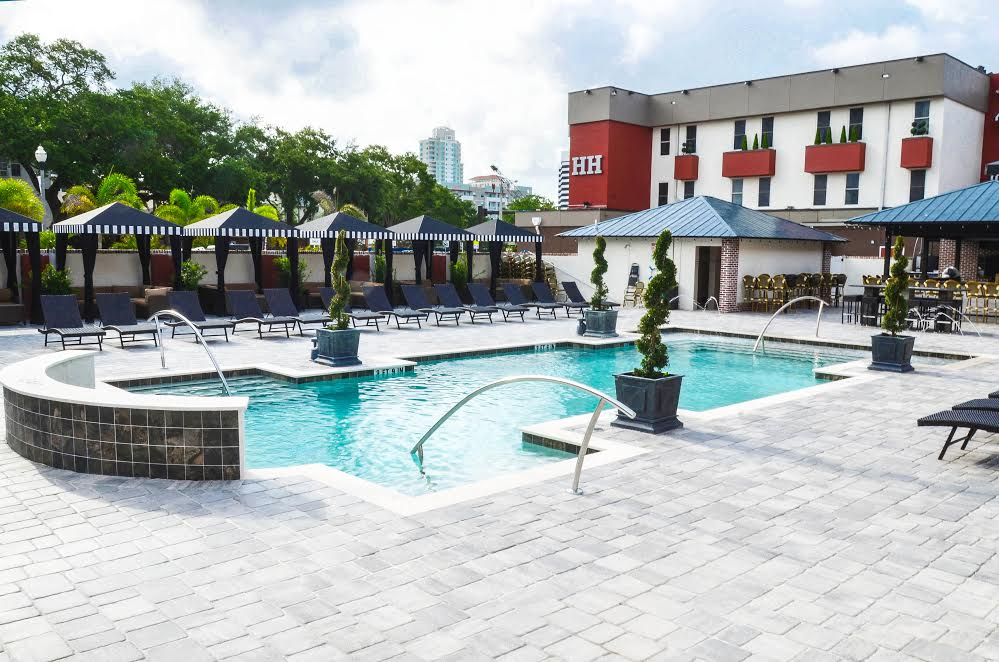 Pool of the Hollander Hotel during the day