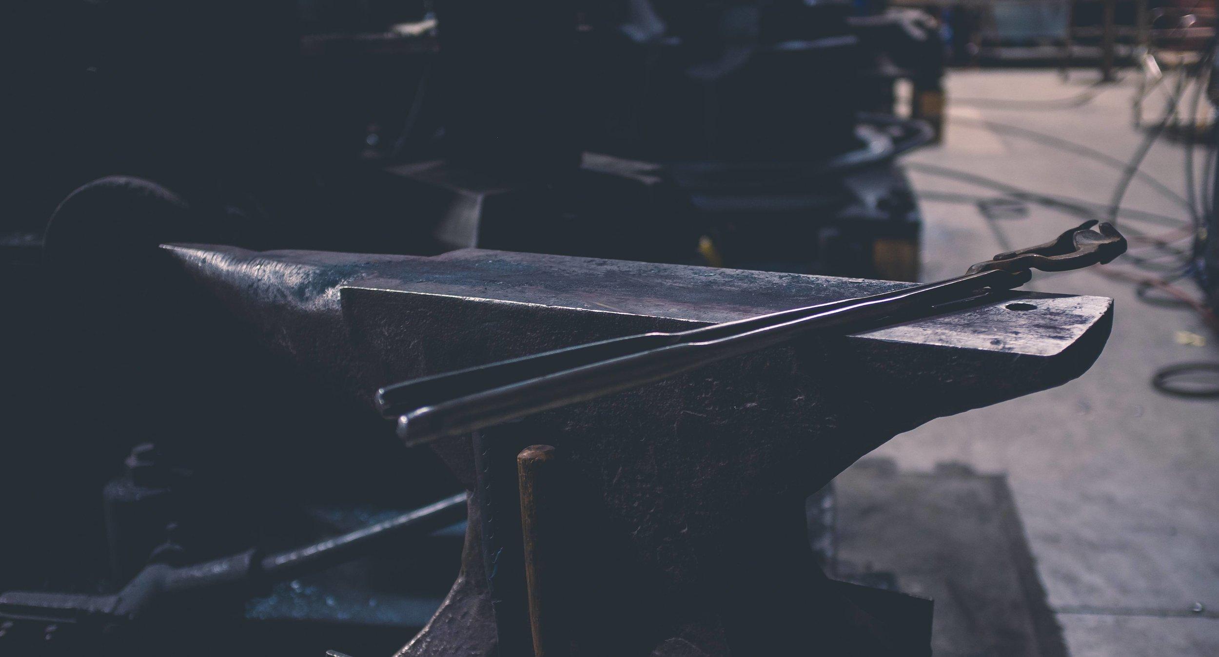 Running Man Forge - Handmade CutleryMade in the usa