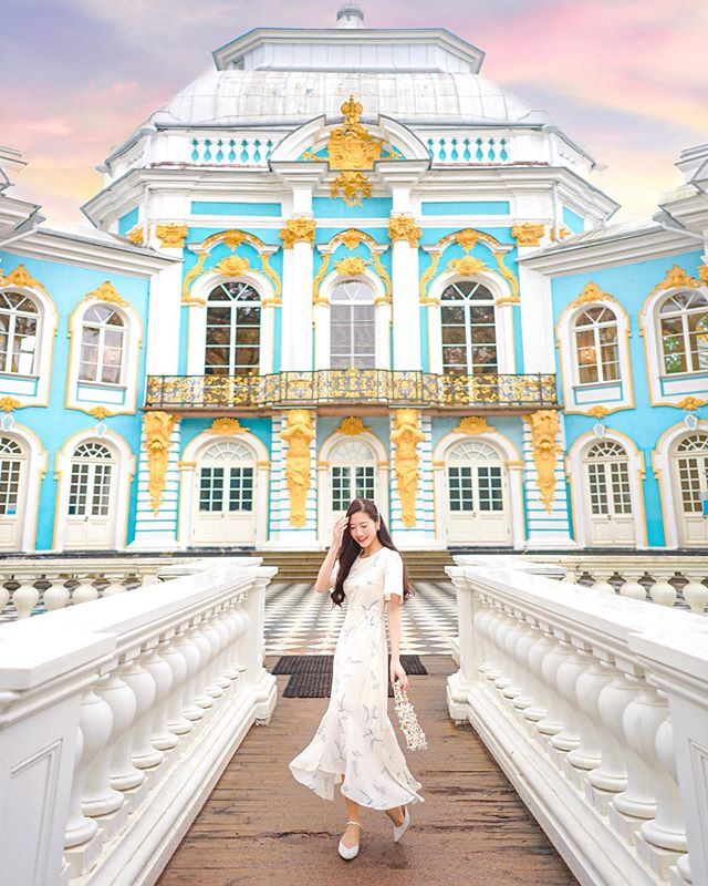 Exploring the city one palace at a time, because the best way to get to know a place is through its history right? 💠✨ #dohyxrussia🇷🇺 #dohyintcl by @cosyily