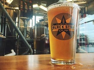 Black-Star-Co-op-brewery-pub-Austin-restaurant-beer-bar-2015_173219.jpg
