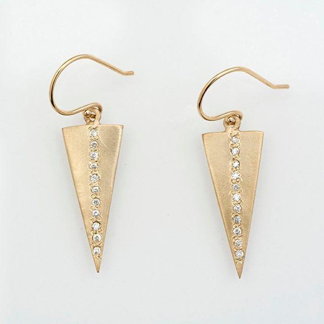 14K Diamond Earrings. 💎