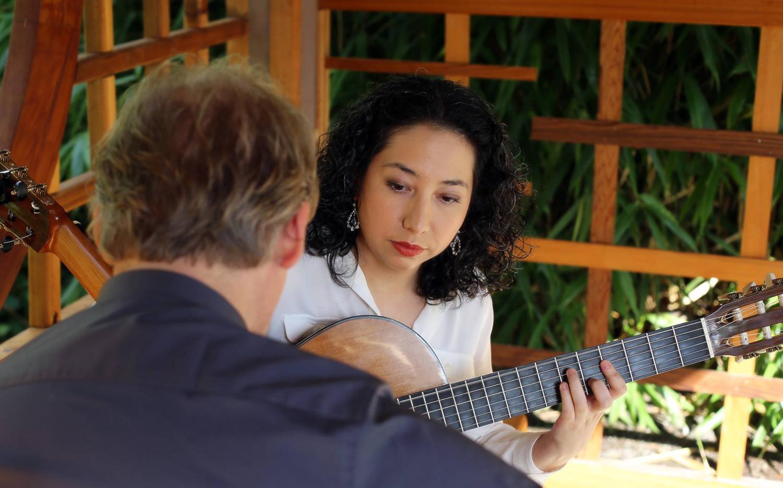duo_tenebroso_classical_guitar_wood.jpg