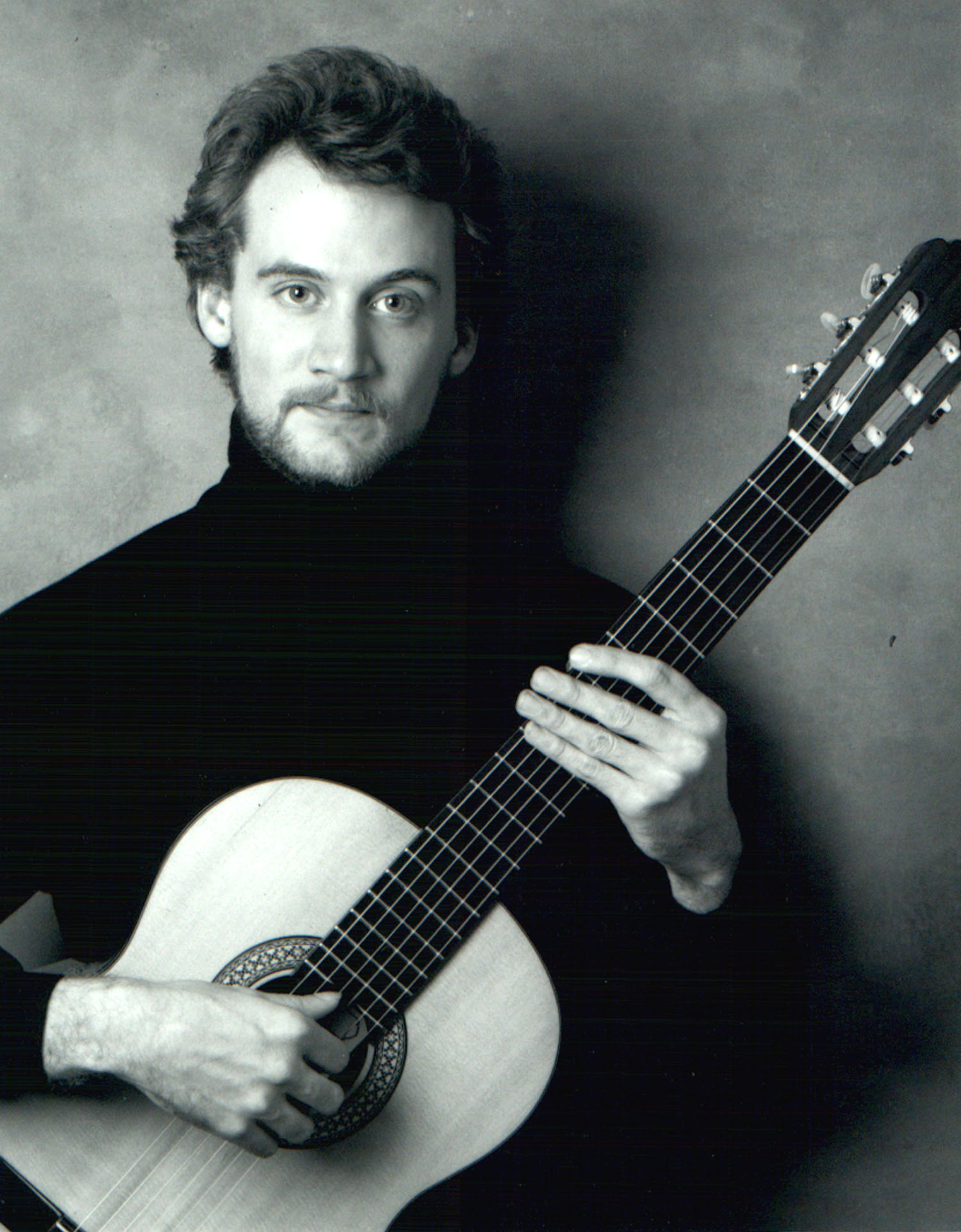 duo_tenebroso_david_franzen_young_classical_guitar.jpg