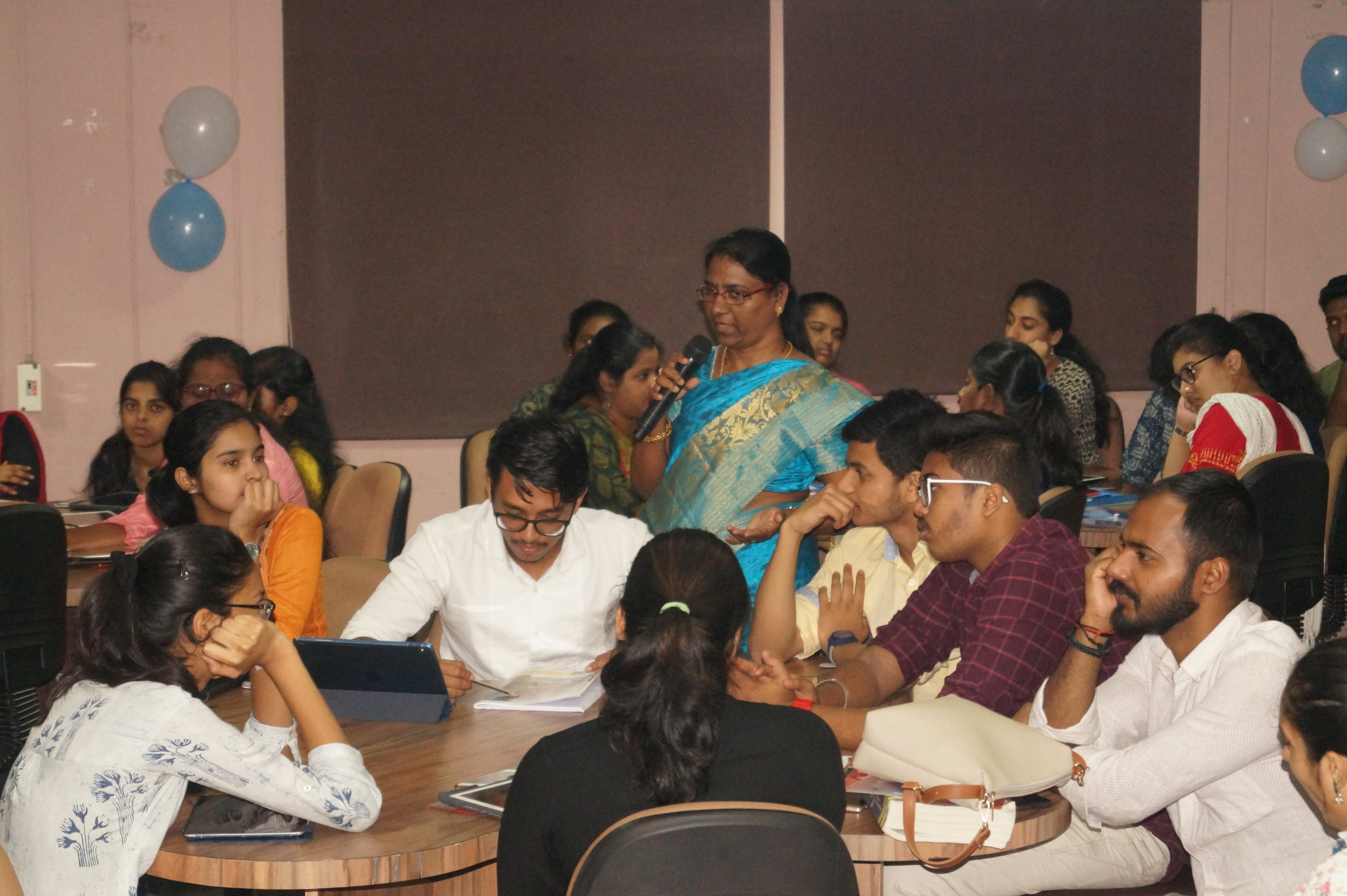 Dr. Sai Shalini in an active interactive session with the participants