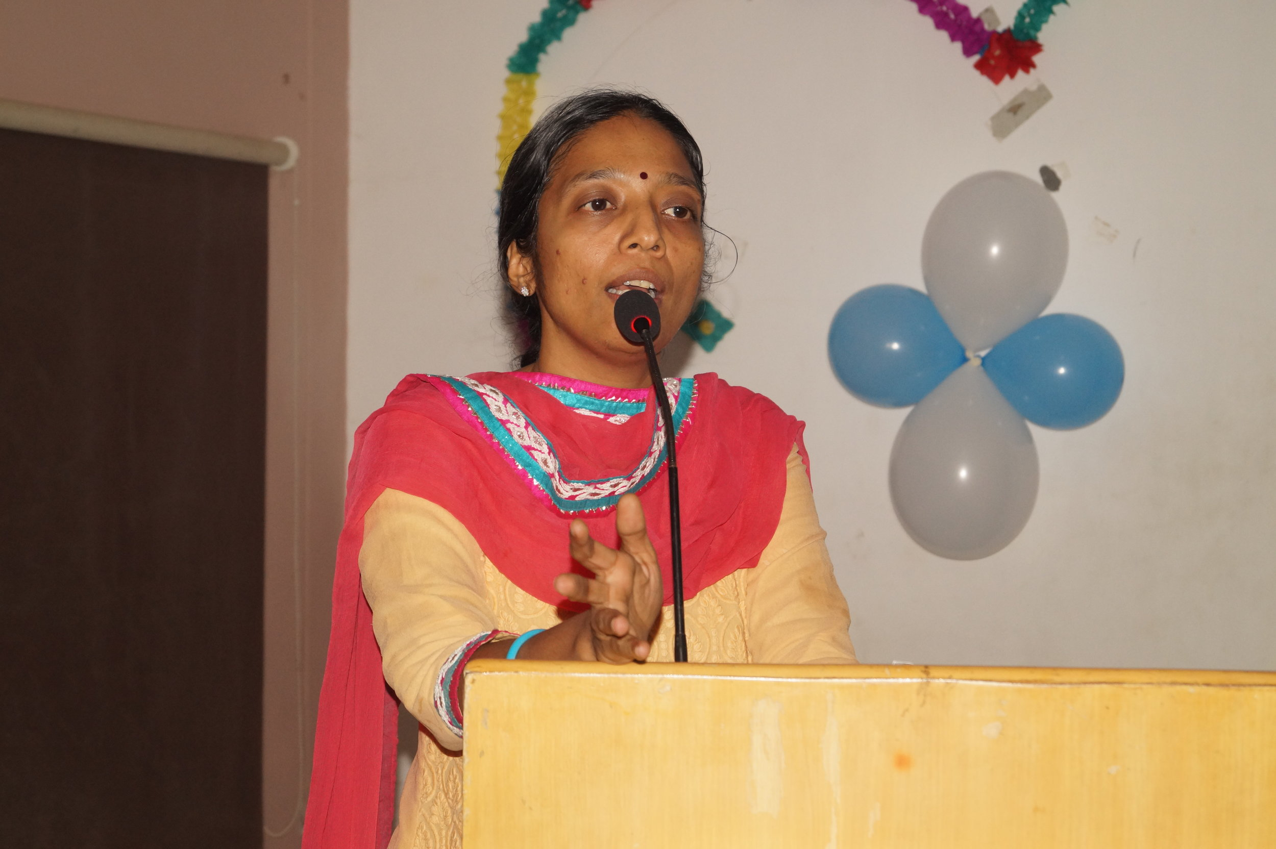 Prof. Dr.Pratibha Ramani addressing the participants