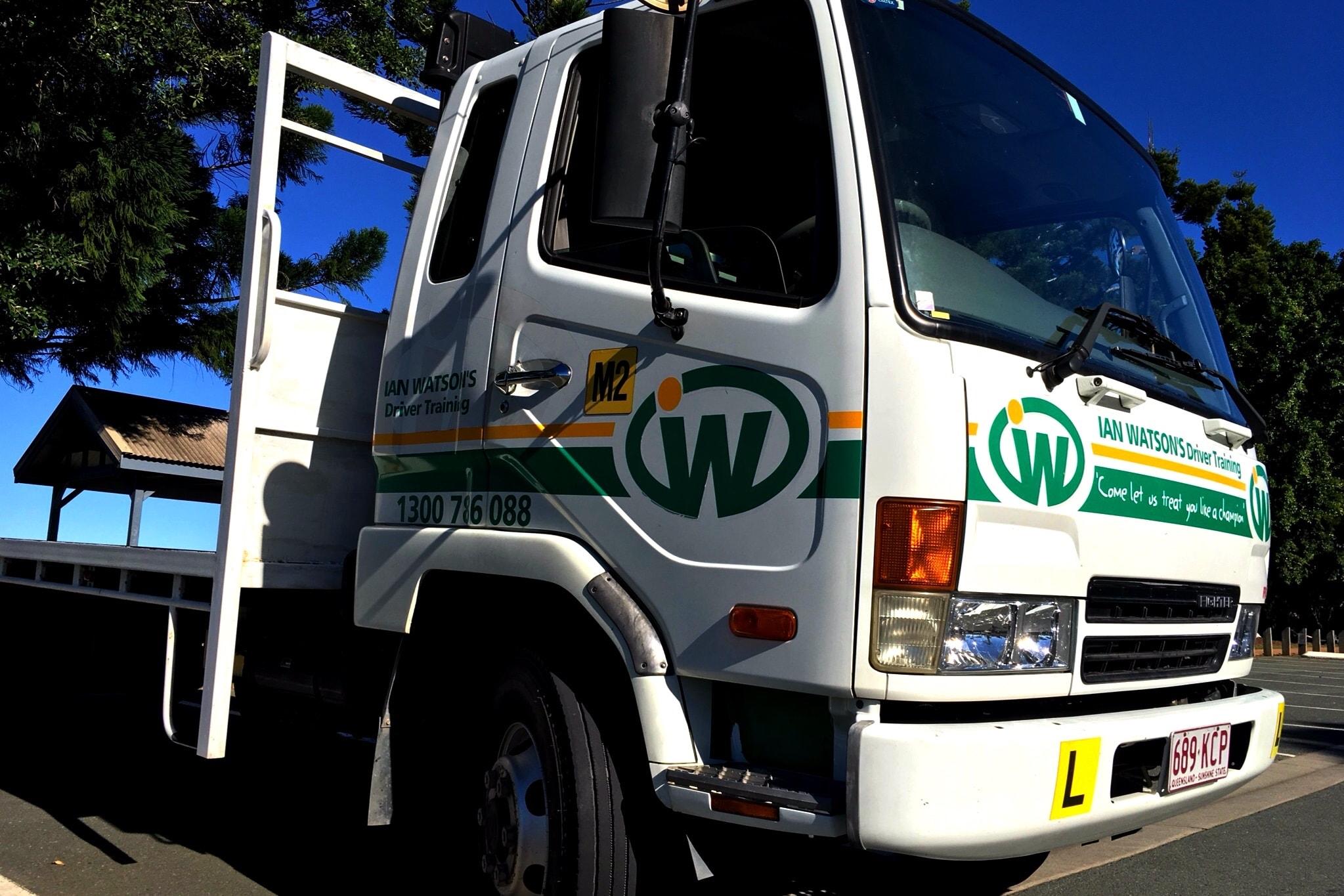 MR Medium Rigid Truck licence and driving test