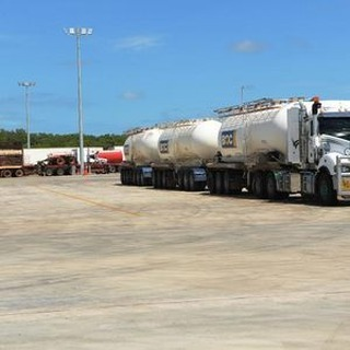 IT'S a new look, it's a brand new home for long-haul truckers. The $52 million Truck Central freight hub, which opened in Berrimah last week, delivers on location and delivers on a truck estate that few match anywhere in Australia.⠀ https://buff.ly/2tQKfRs