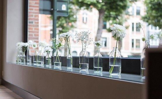 csm_bbrussels-bulthaup-showroom-raam-vazen-bloemen-hannamoens_7238e96c5d.jpg