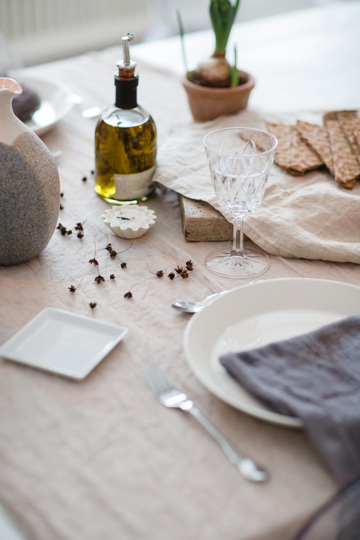 Organic tablesetting by Nellaino.com